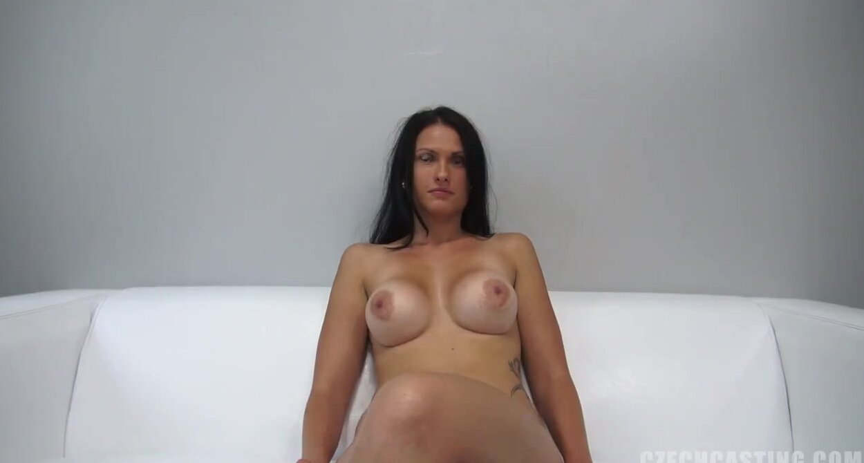 Сексуальная Брюнетка Любит Только Длинный Член - Смотреть Порно Онлайн