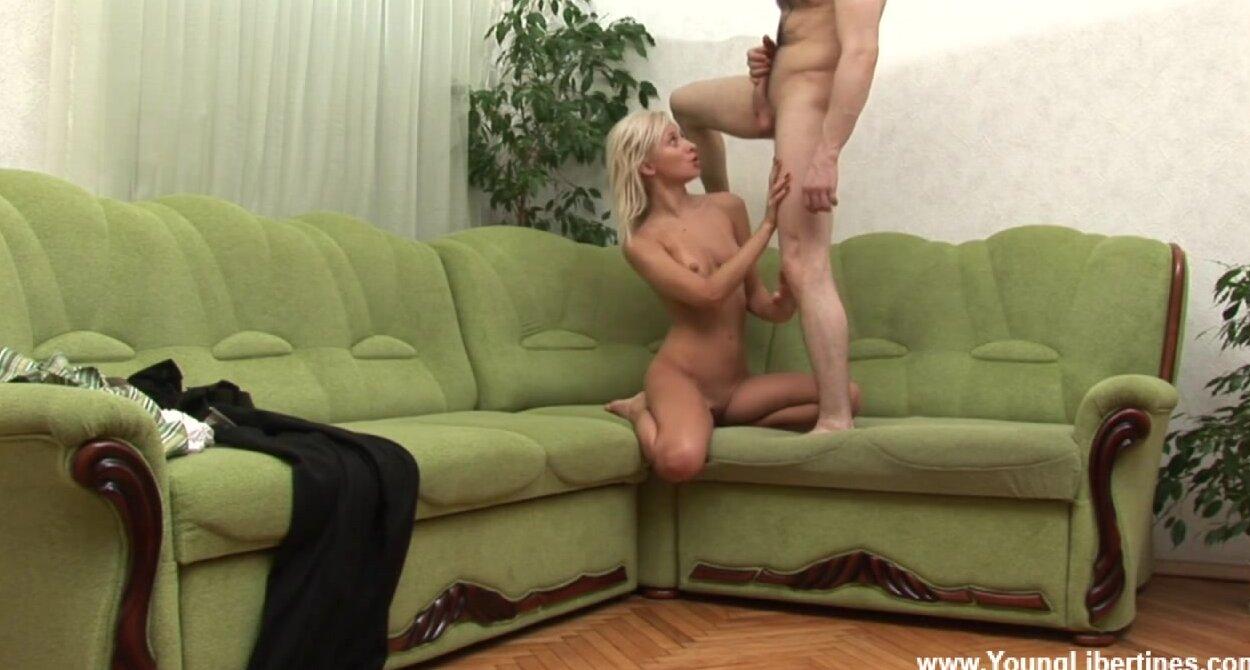 Секс На Скрытую С Блондинкой