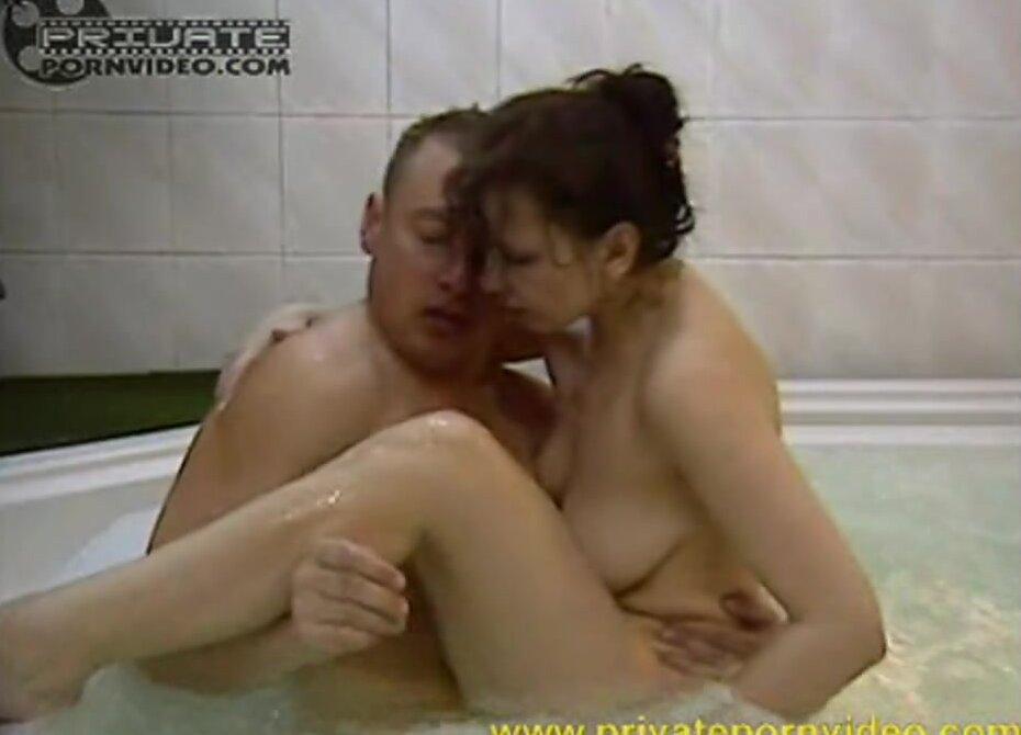 Трахнул Эту Сучку В Джакузи Хд Порно Онлайн