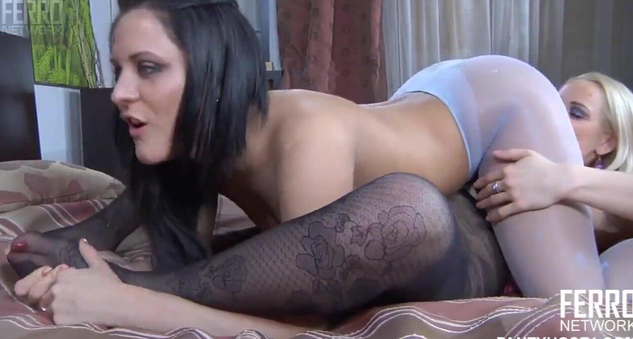 Порно Видео Русских Лесбиянок Взрослые С Молодыми