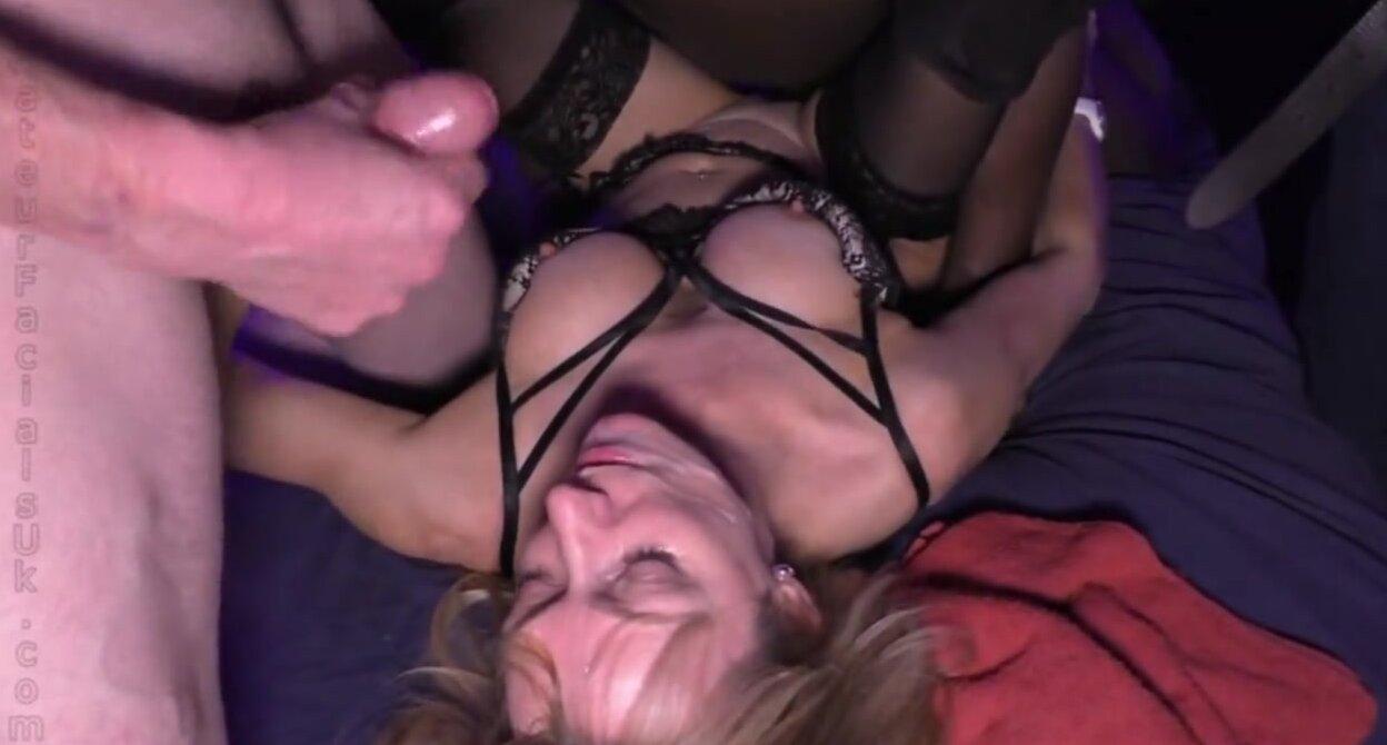 Молодая Красавица Michelle D Готовится Заняться Сексом С Однокурсниками